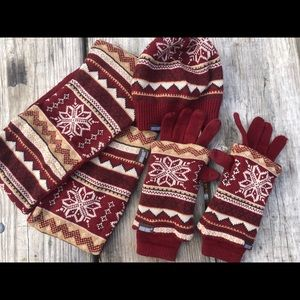 MUK LUKS Infinity Scarf 3 in 1 gloves and Beanie